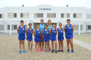 El equipo con la equipación de atletismo